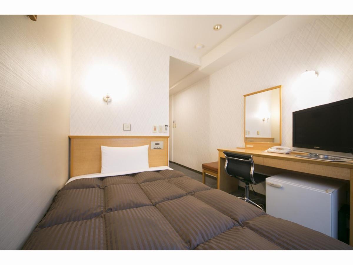 Отель Yokkaichi Urban Hotel - отзывы Booking