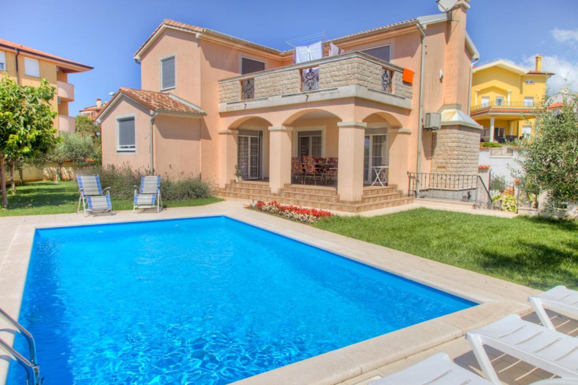 Modern House With A Swimming Pool Close To The Beach Ližnjan Updated 2021 Prices