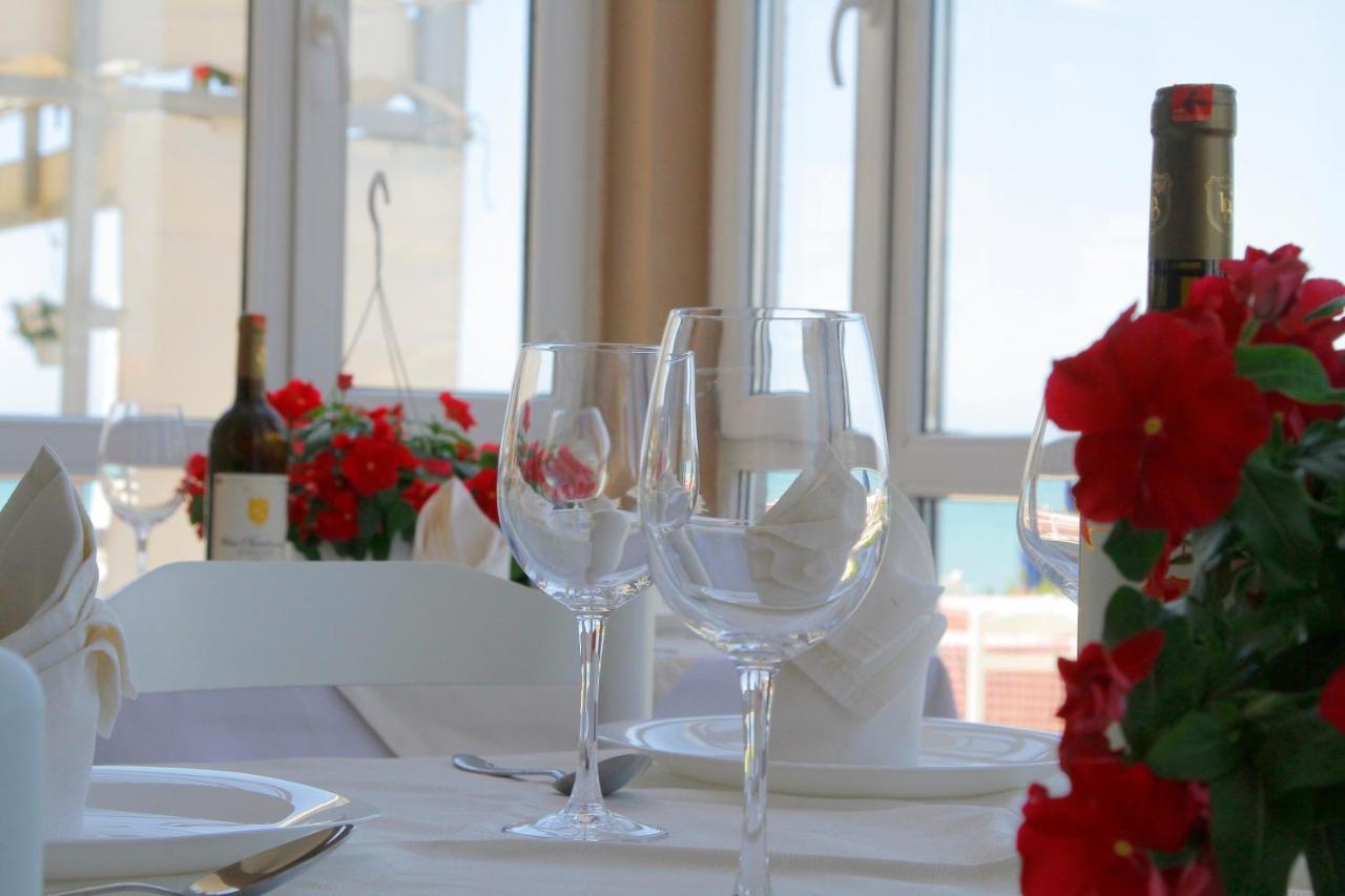 Ресторан / где поесть в Sinella Holiday