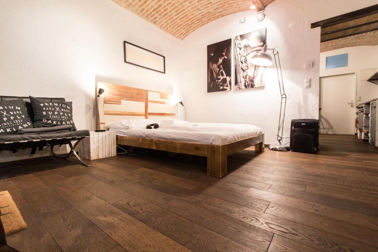 checkVIENNA - Design Apartment, Vienna, Austria - Booking.com