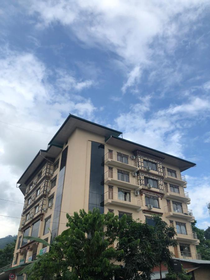 Отель  Hotel Phuentsholing