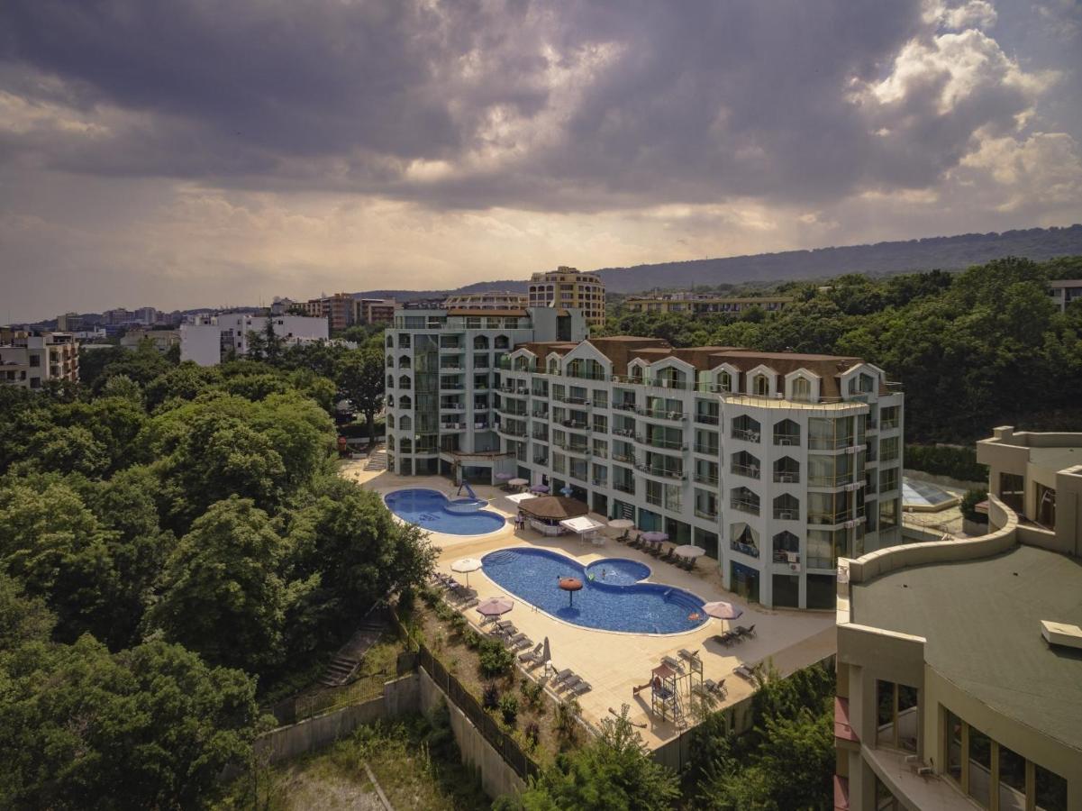 Вид на басейн у Palma Hotel All Inclusive або поблизу
