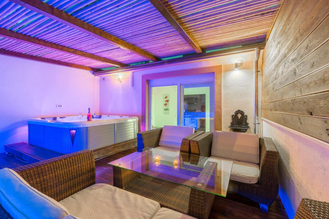 Tino Luxury Apartment With Jacuzzi Split Croatia Booking Com