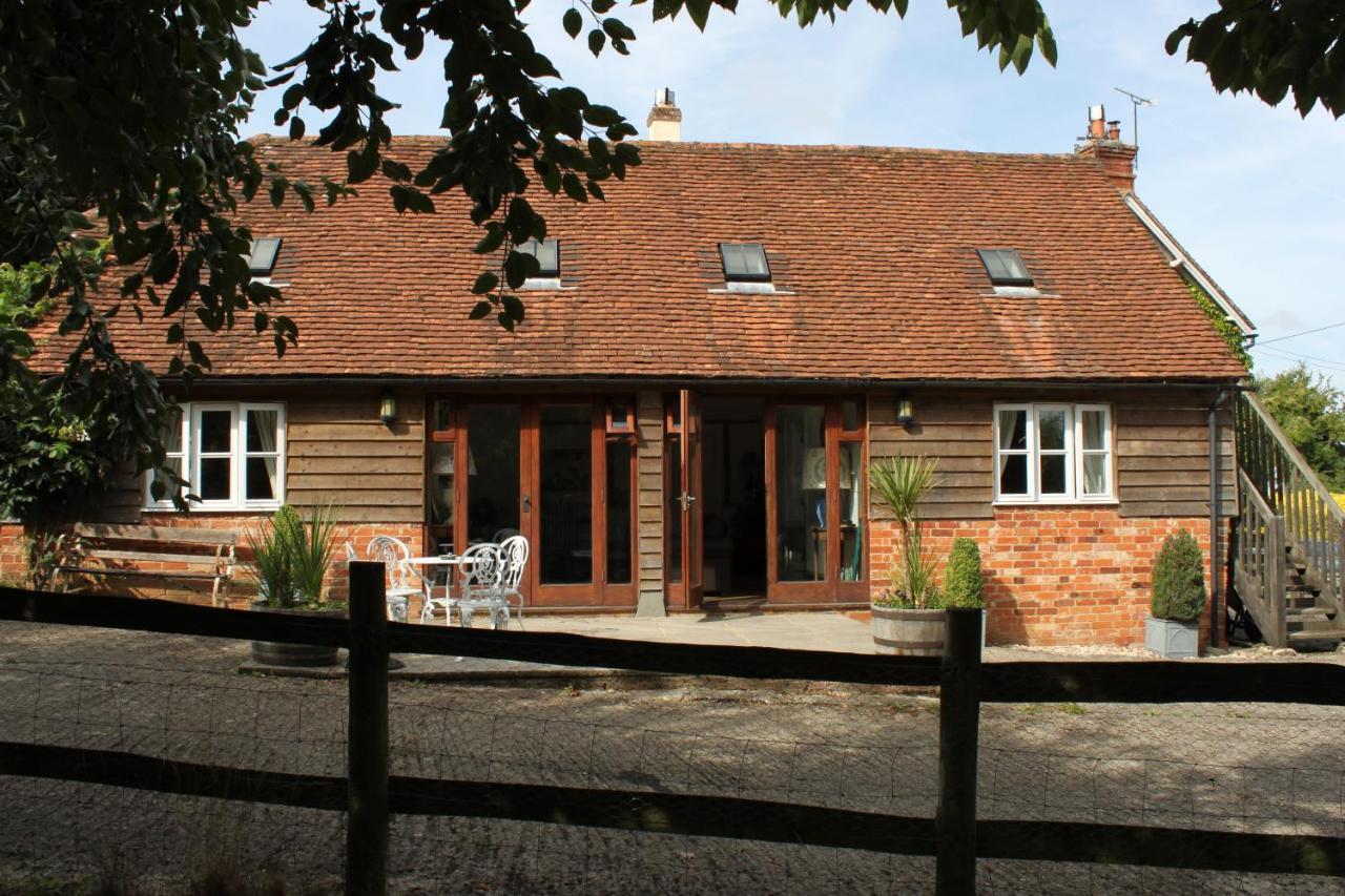 Отель типа «постель и завтрак»  High Street Farm Barn