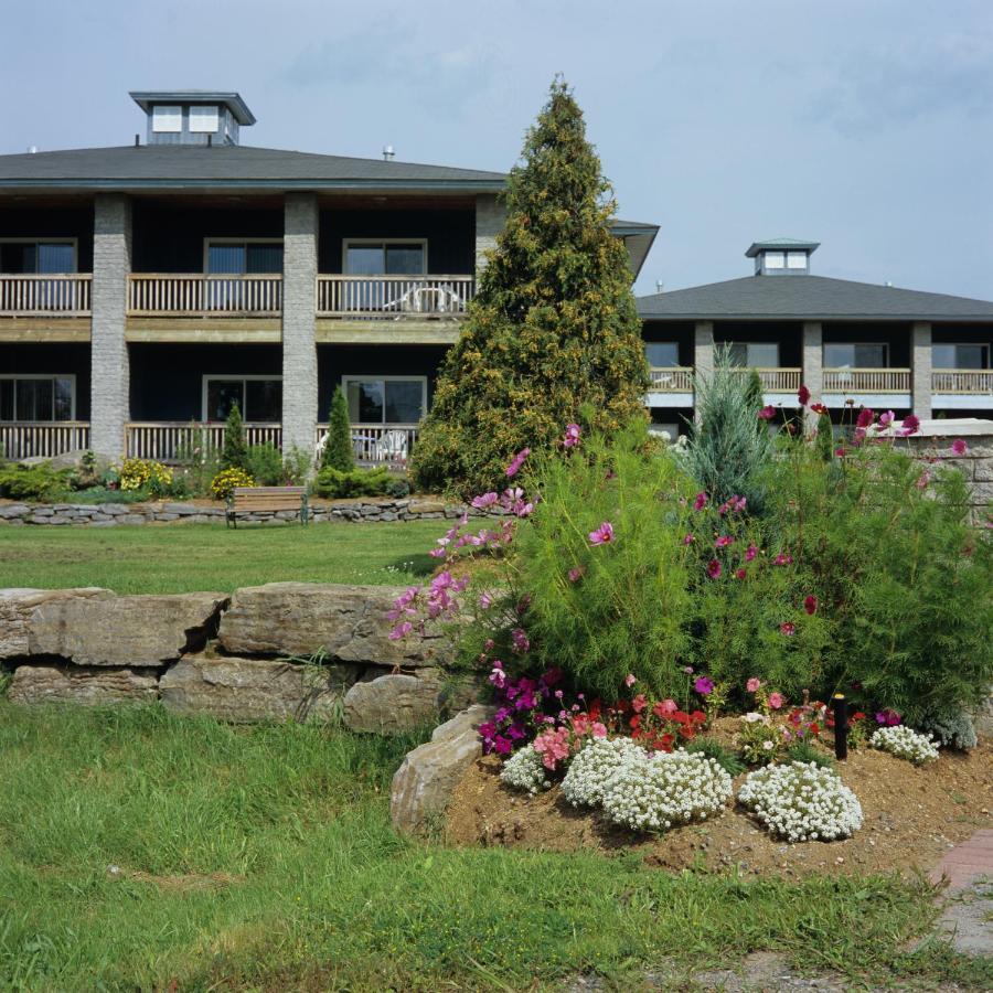Курортный отель  Highlands Four Season Resort
