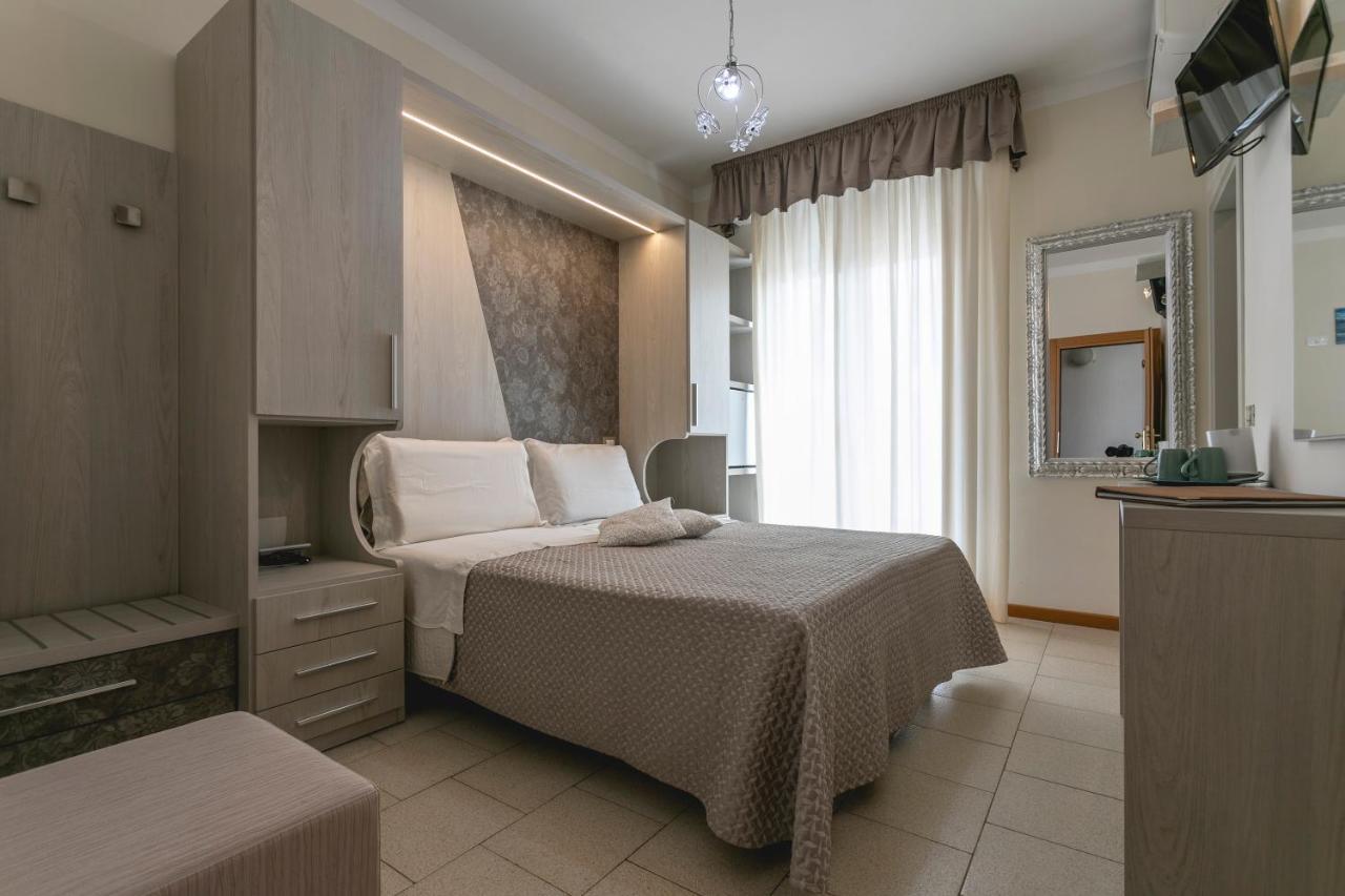 Отель  Отель  Hotel Deborah