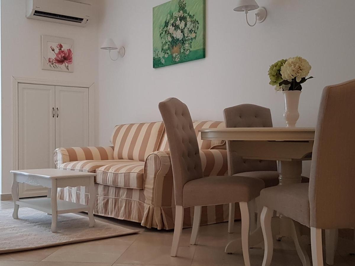 Апартаменты/квартира  Sanisidro - Flores Garden Apartment