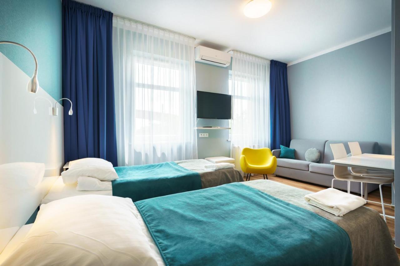 Отель  Hotel Jarota