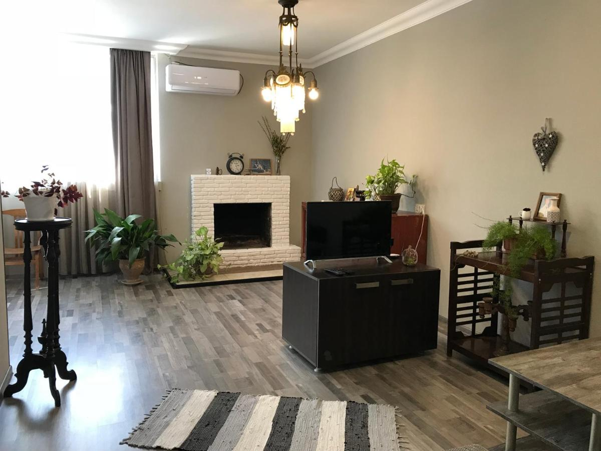 Апартаменты/квартира  Talaveri Apartment in Old Tbilisi  - отзывы Booking