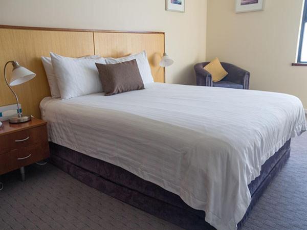 Отель  Ocean Beach Hotel  - отзывы Booking