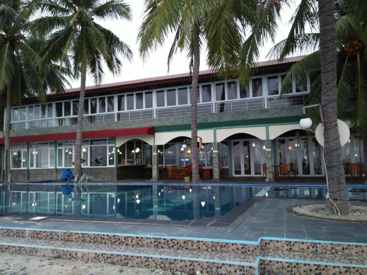 157952145 - 6 Penginapan Murah di Tepi Pantai Banten