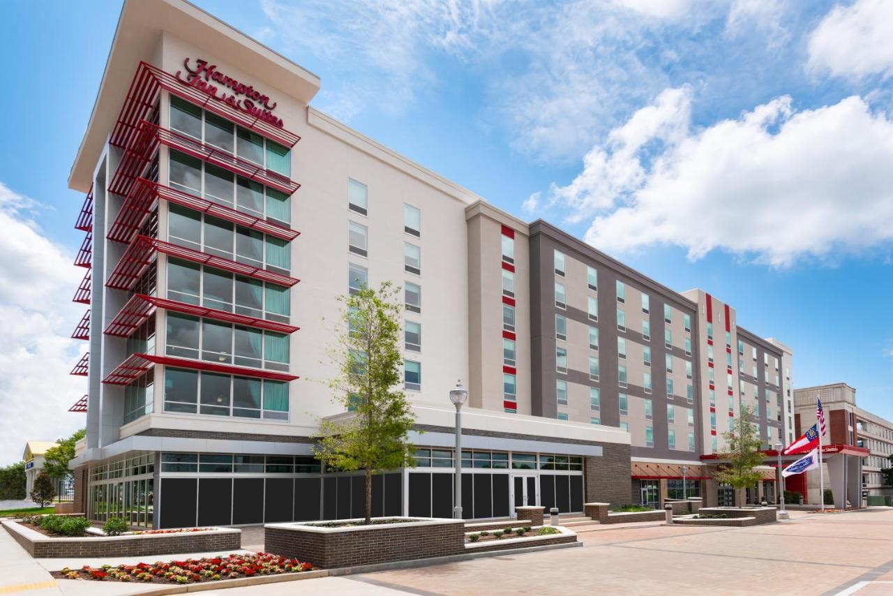 Отель  Отель  Hampton Inn & Suites Atlanta Buckhead Place