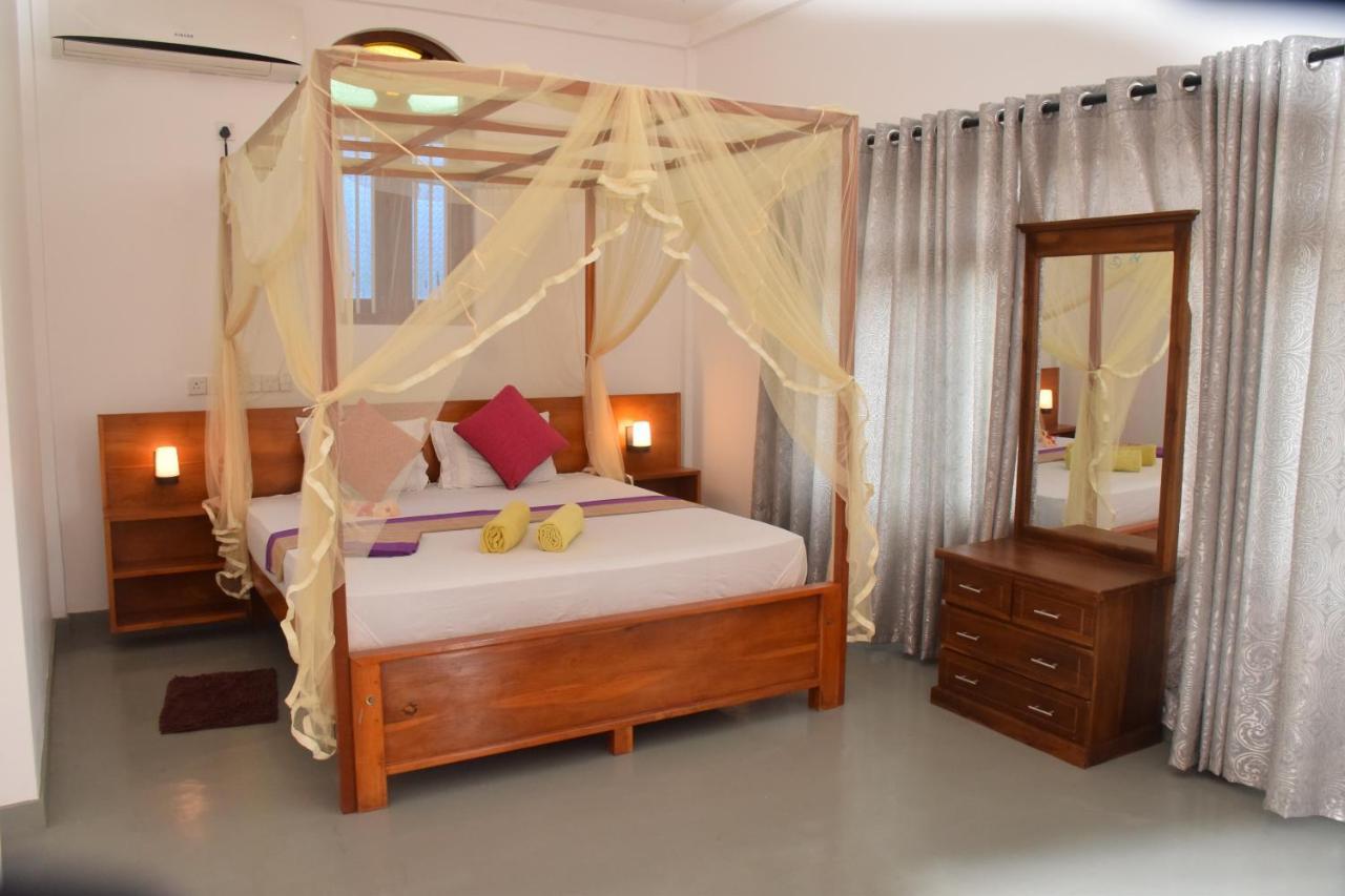 Отель  Mira Whales Resort