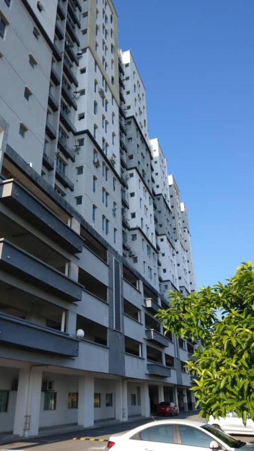 Апартаменты/квартира  Affordable Stay @ Rue's Villa Tropika Apartment, UKM Bangi