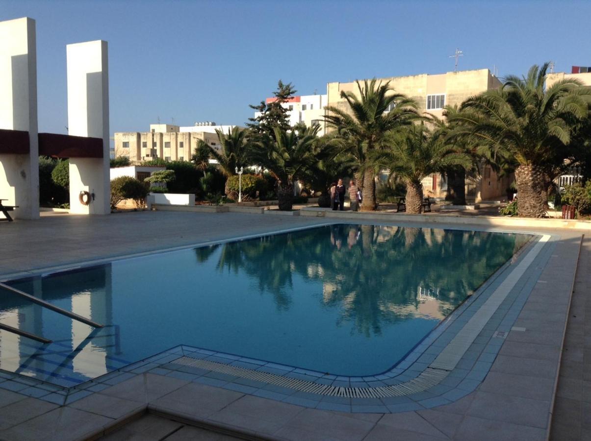 Апартаменты/квартира  Luxury Seafront Apartment With Pool