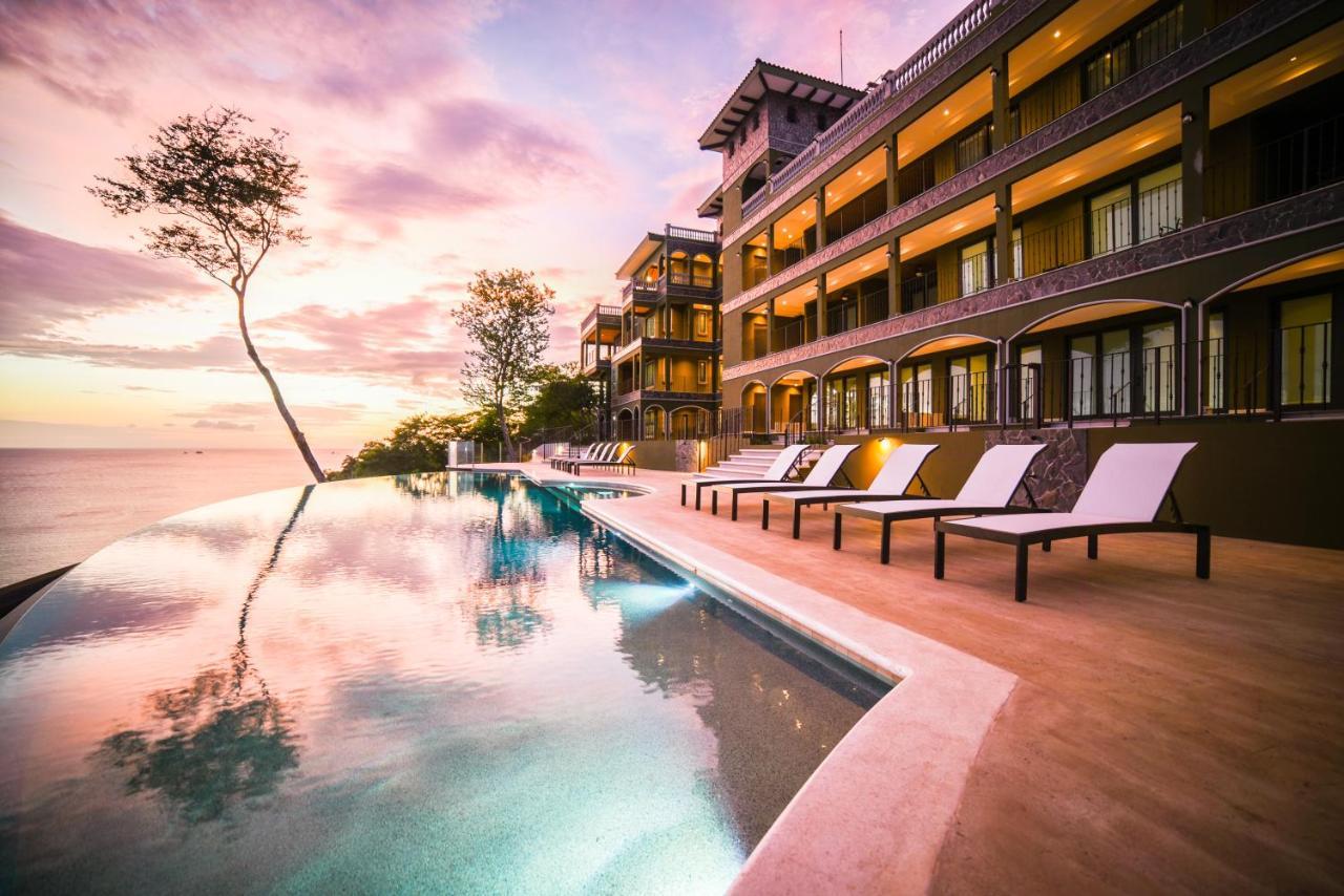 Отель 360 Splendor Del Pacifico Residences - отзывы Booking