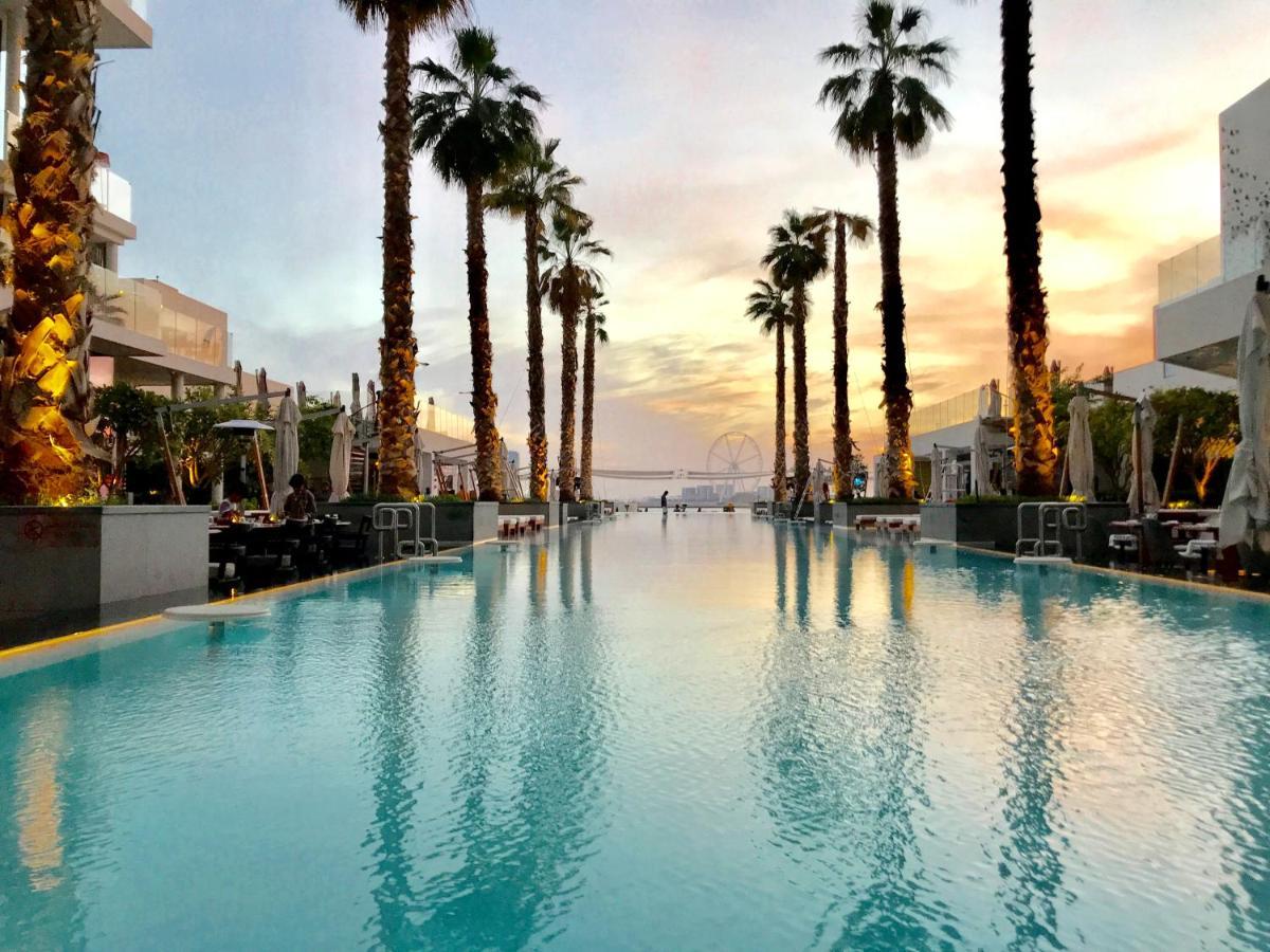 Фото  Апартаменты/квартира Evolve Vacation Homes - The Five Palm Residences