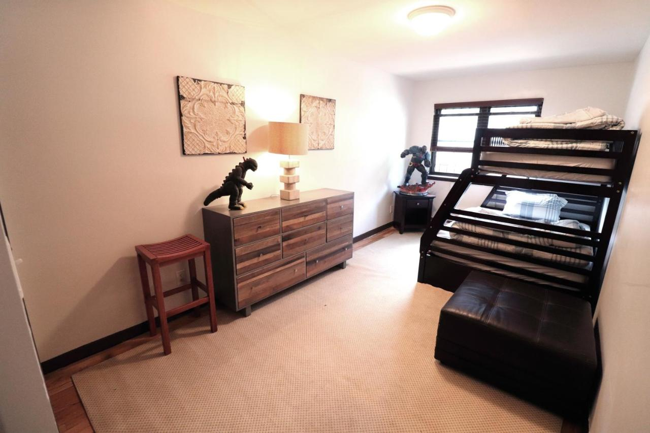 Astoria 2 Bedroom That Sleeps Up To 6 1 Block To Subway New York Updated 2021 Prices