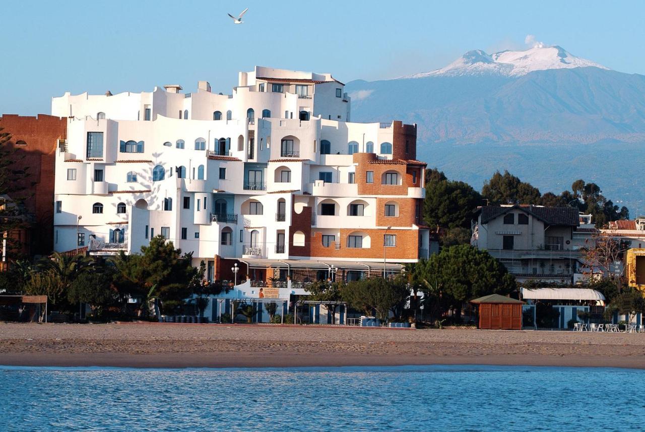 giardini naxos accommodation)