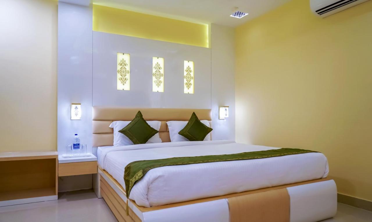 Отель  Отель  Treebo Trend Hotel OASIS
