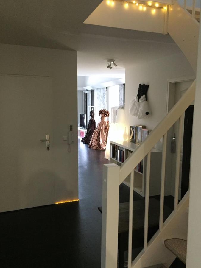 Проживание в семье  Проживание в семье  Großes Helles Zimmer + Eigenes Bad