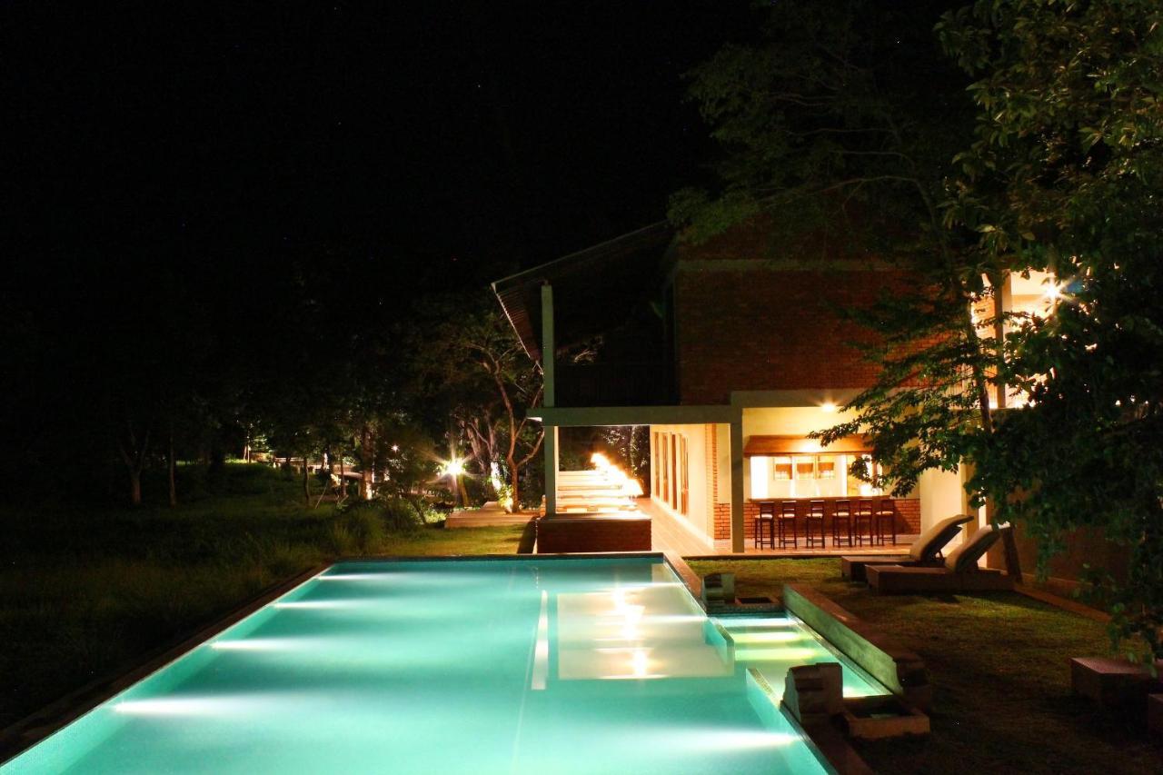 Курортный отель  Ehalagala Lake Resort