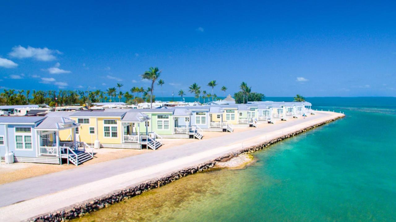 Комплекс для отдыха  Fiesta Key RV Resort Waterfront Cottage 33