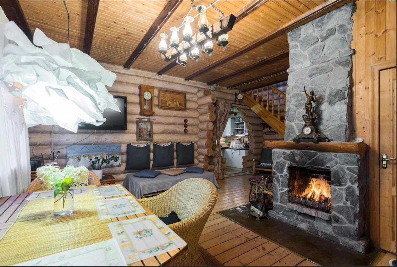 Загородный дом  Деревянный домик с дровяной баней   - отзывы Booking