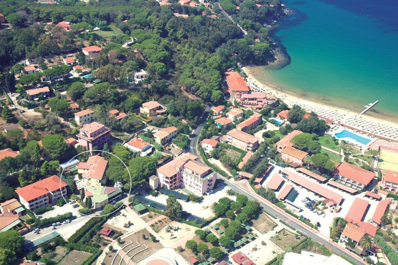 Отель  Hotel Monna Lisa