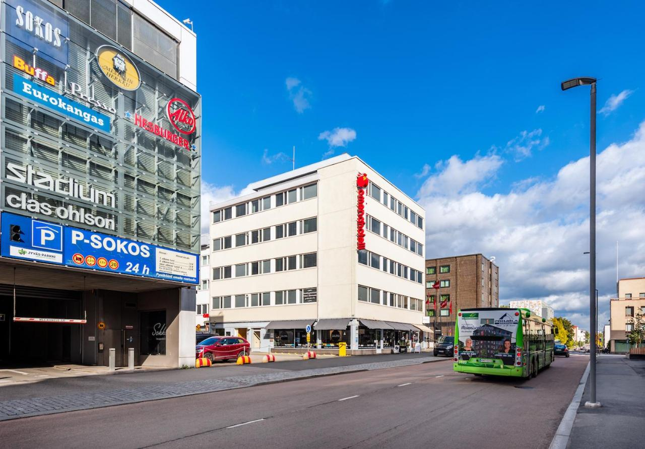 Näin koronavirus alkoi levitä suomalaisissa jääkiekkojoukkueissa – vaikutukset ovat ulottuneet jo neljään kaupunkiin vain muutamassa päivässä