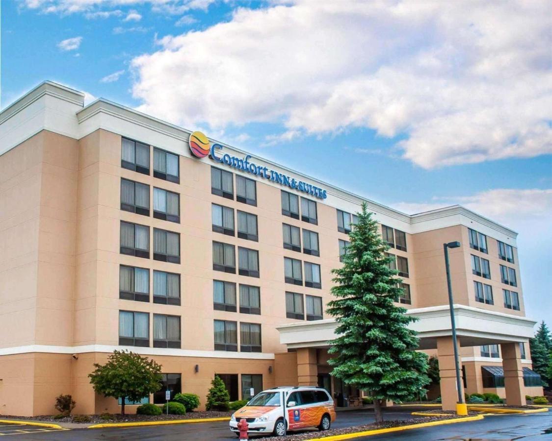 Отель  Отель  Comfort Inn & Suites Watertown