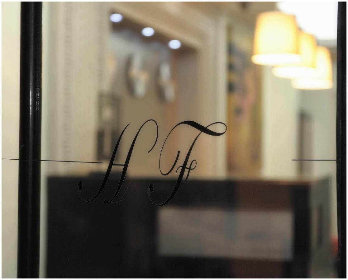 Отель  Hôtel & Restaurant Farid  - отзывы Booking