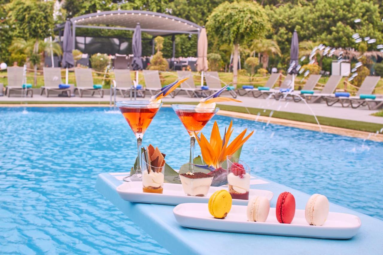Отель  Отель  Mabrouk Hotel And Suites- Adult Only
