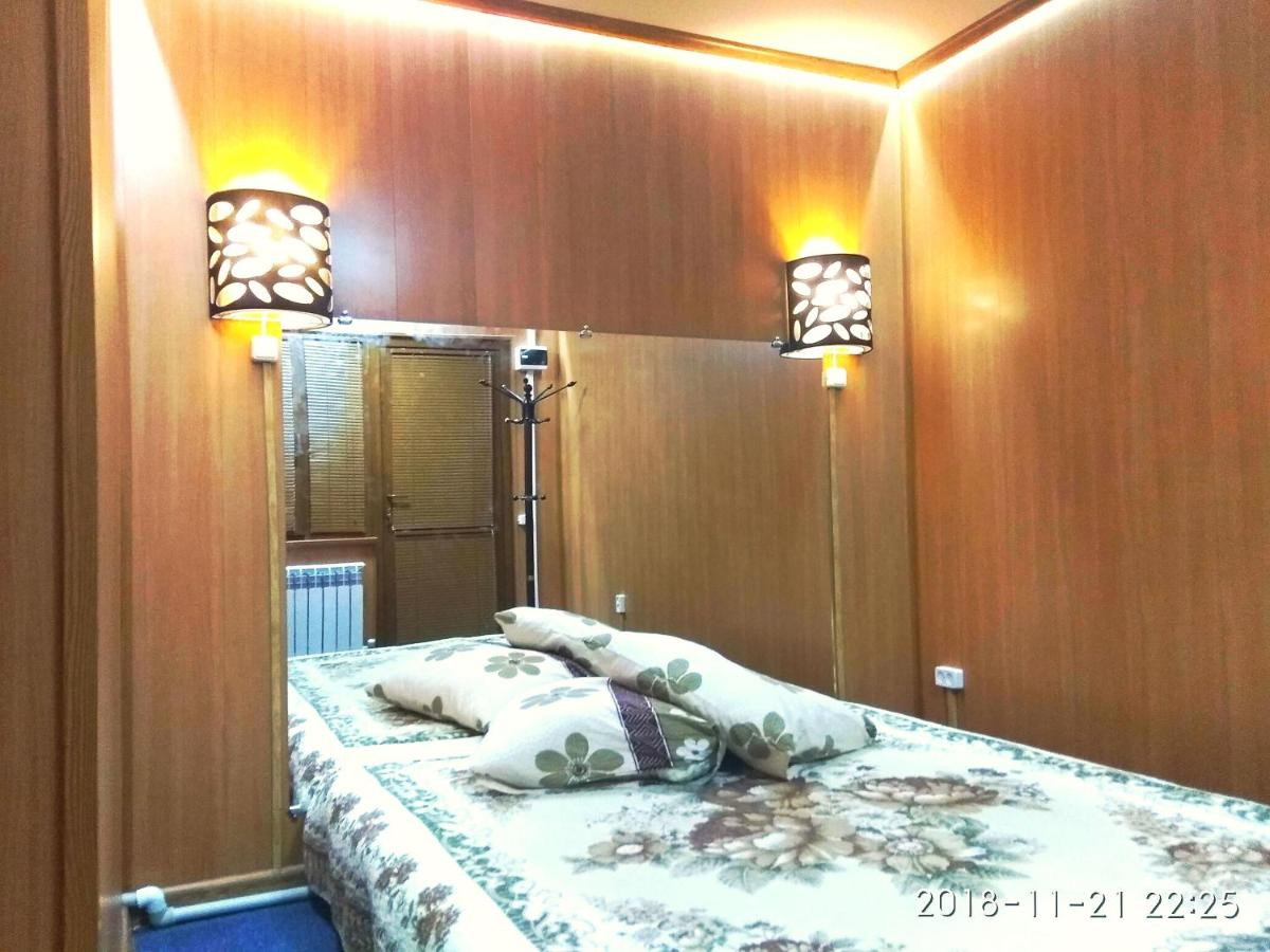 Гостевой дом  Гостевой дом  Guest House On S. Amanzholova 3