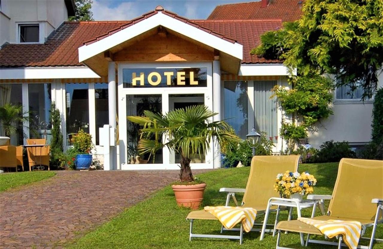 Отель  Hotel Am Rehberg Garni