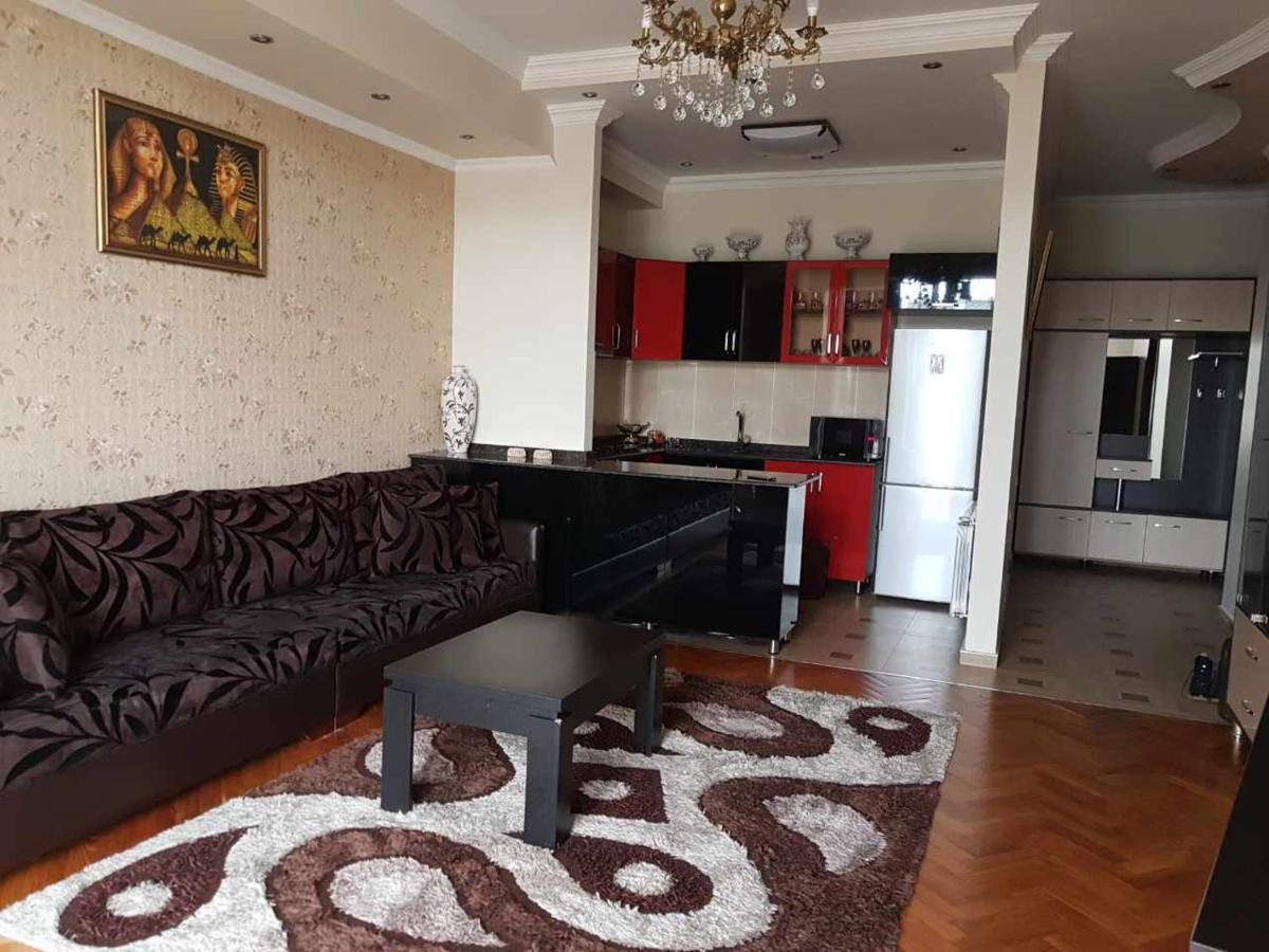 Апартаменты/квартира Flat In Center Of Batumi