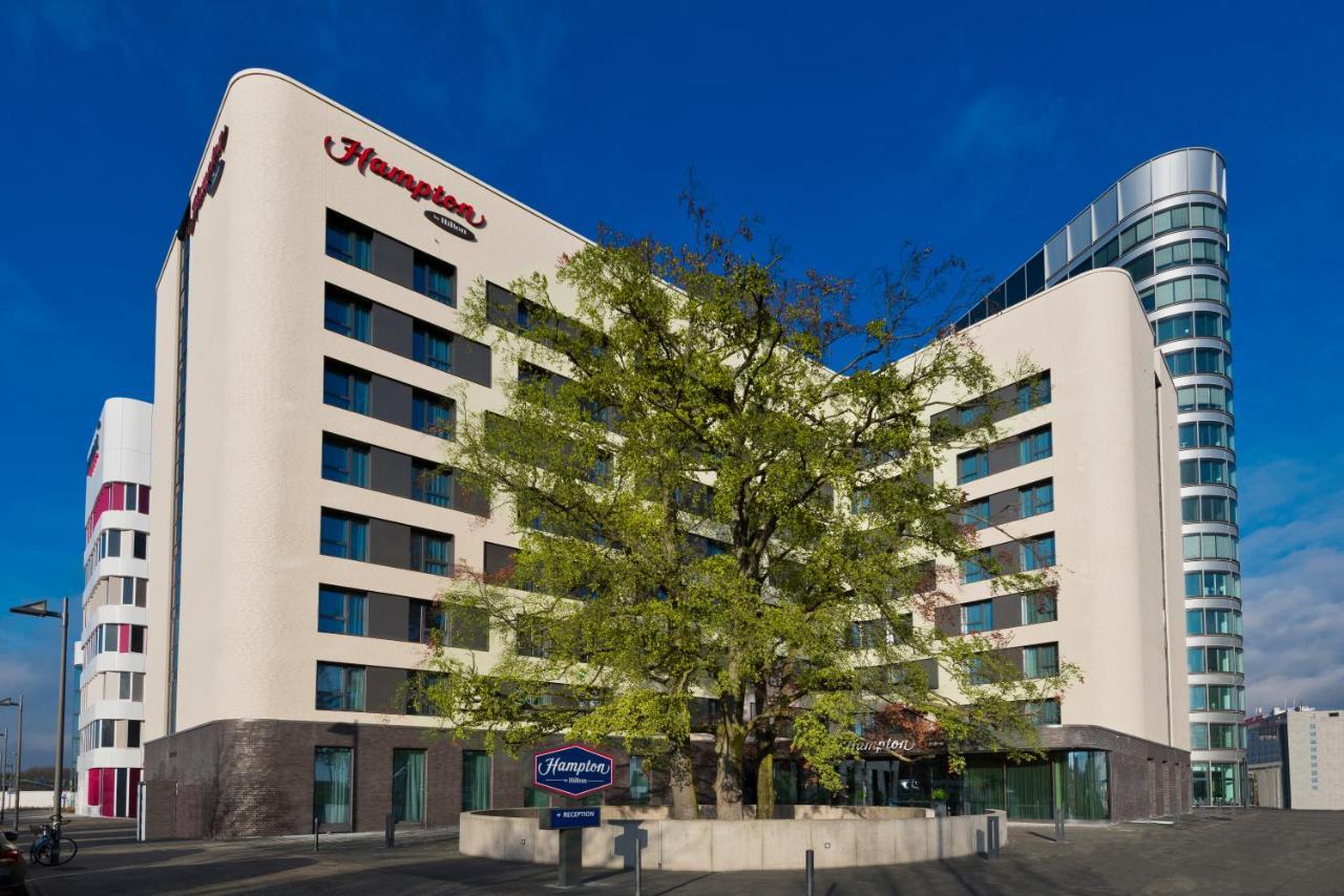 Отель  Hampton By Hilton Frankfurt Airport  - отзывы Booking