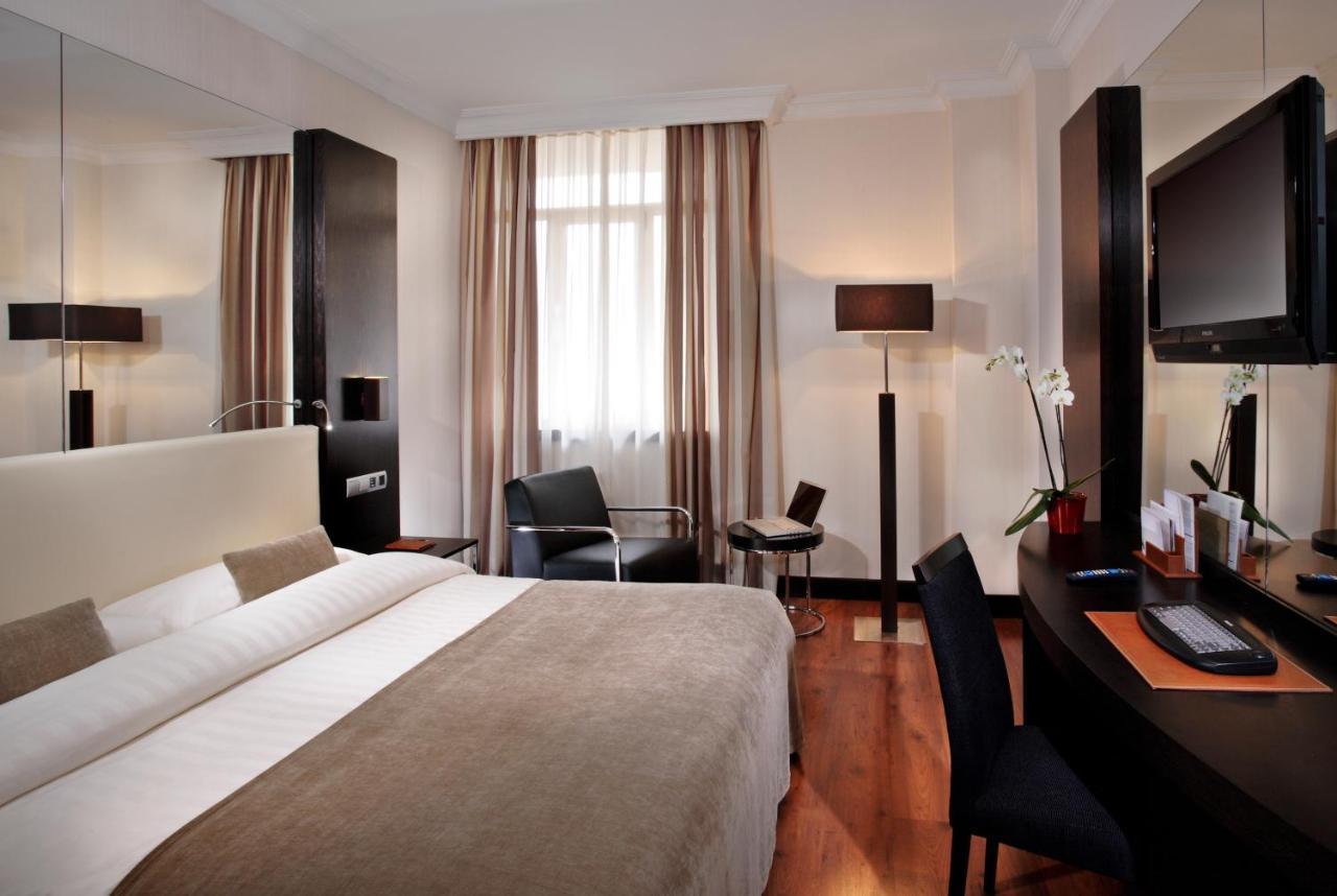 Отель  Отель  Hotel Saray