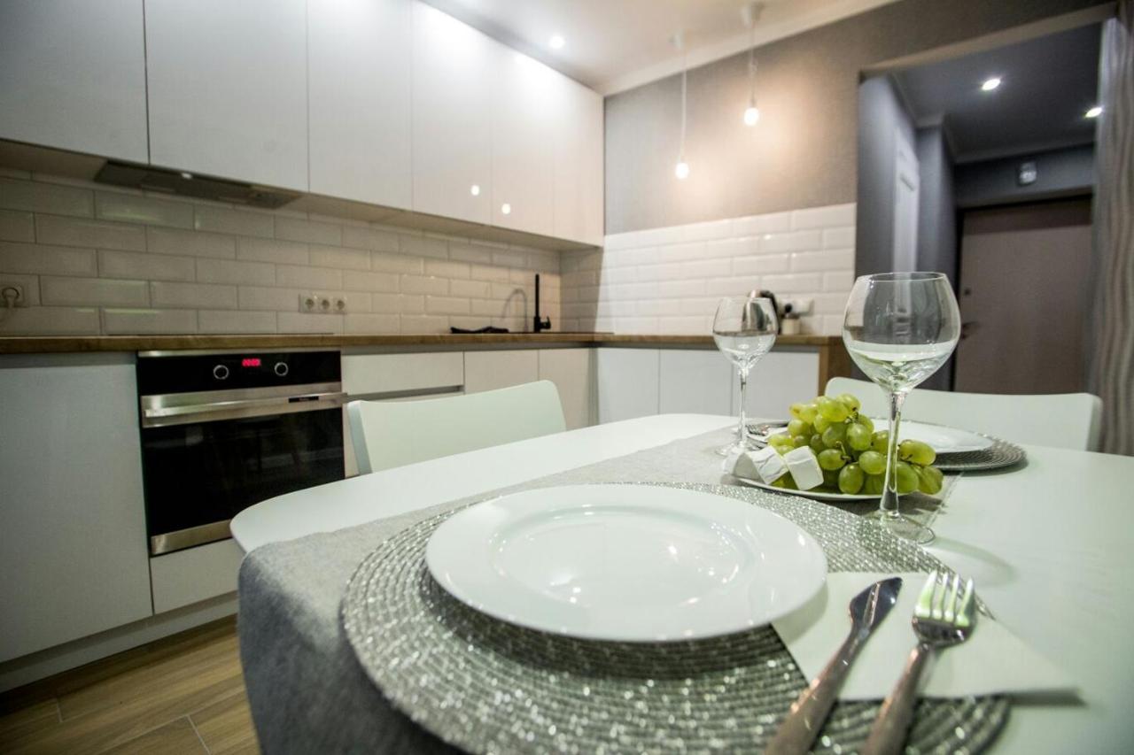 Апартаменты/квартира  Apartment on Krasnogvardeyskaya  - отзывы Booking