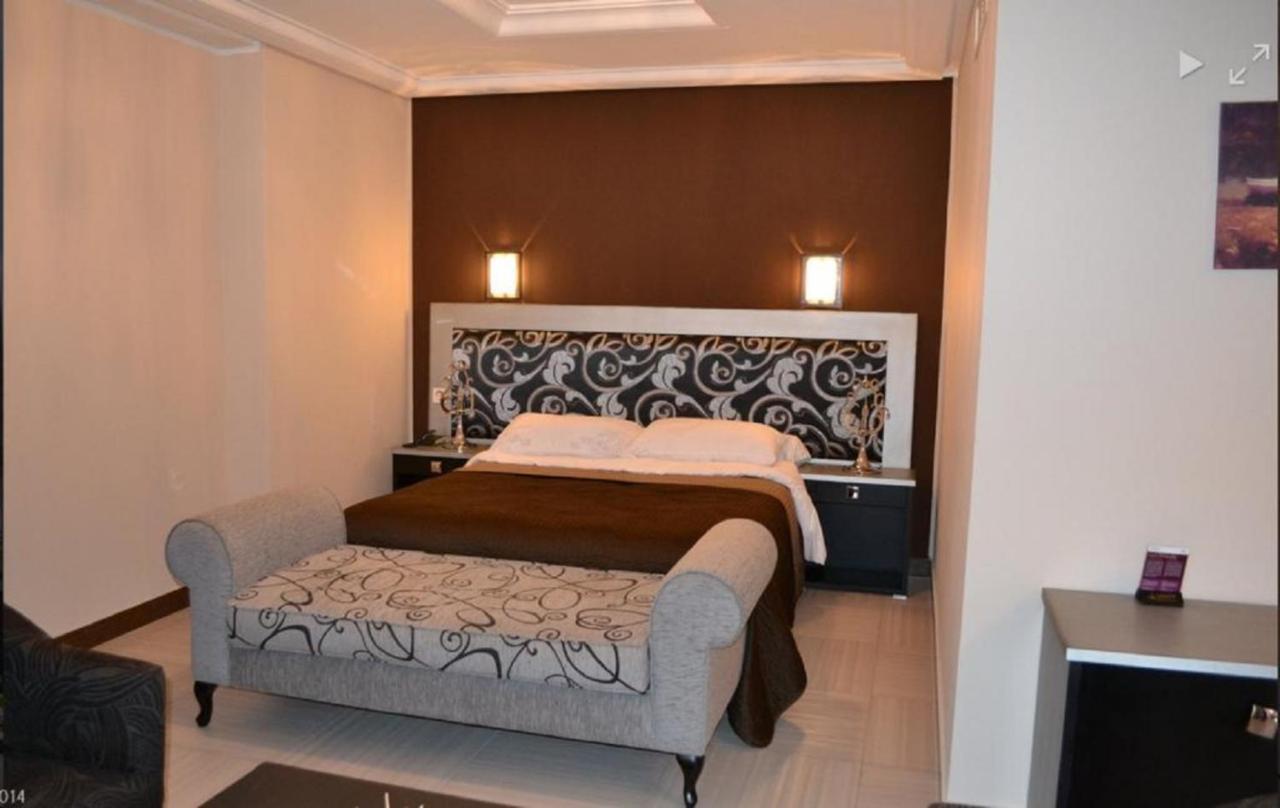 Отель  Отель  Jardy Hotel