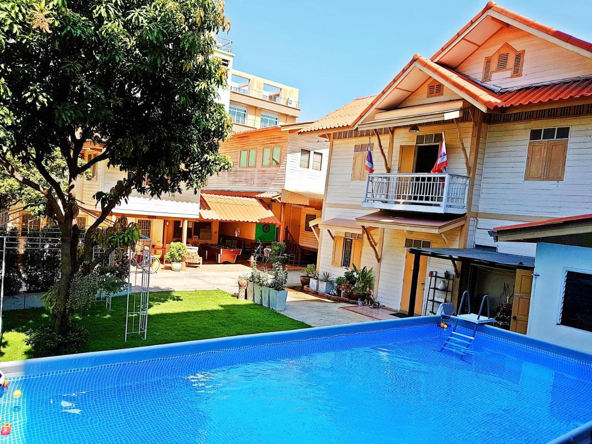 Фото  Виллы Private Villa - Pool & Garden Family Friendly Bangkok Center