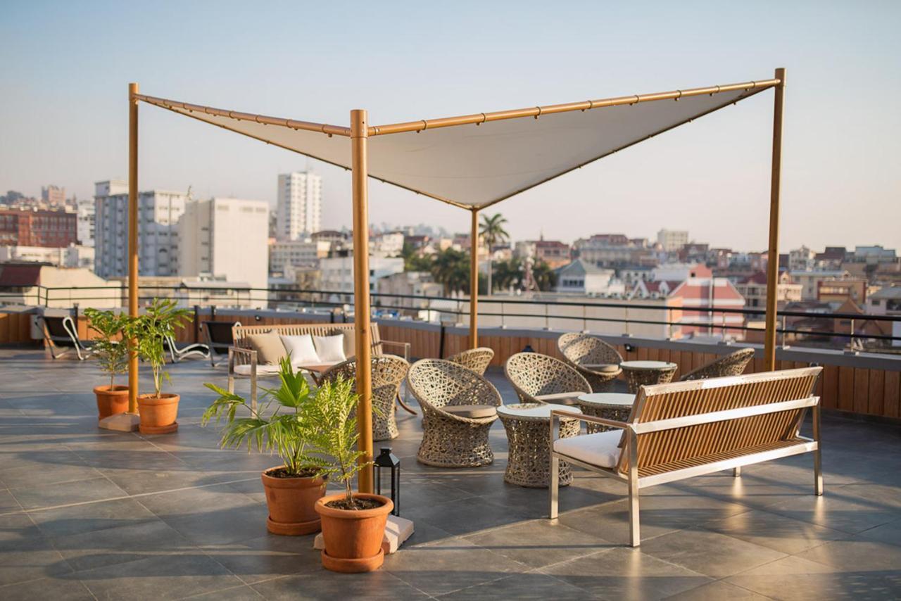 Отель Tsanga Tsanga Hotel - отзывы Booking