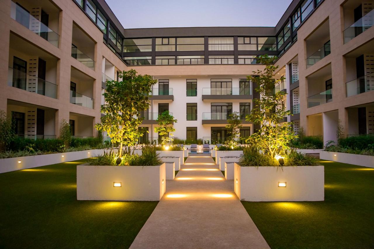Апарт-отель Embassy Gardens Premier Suites-Cantonment