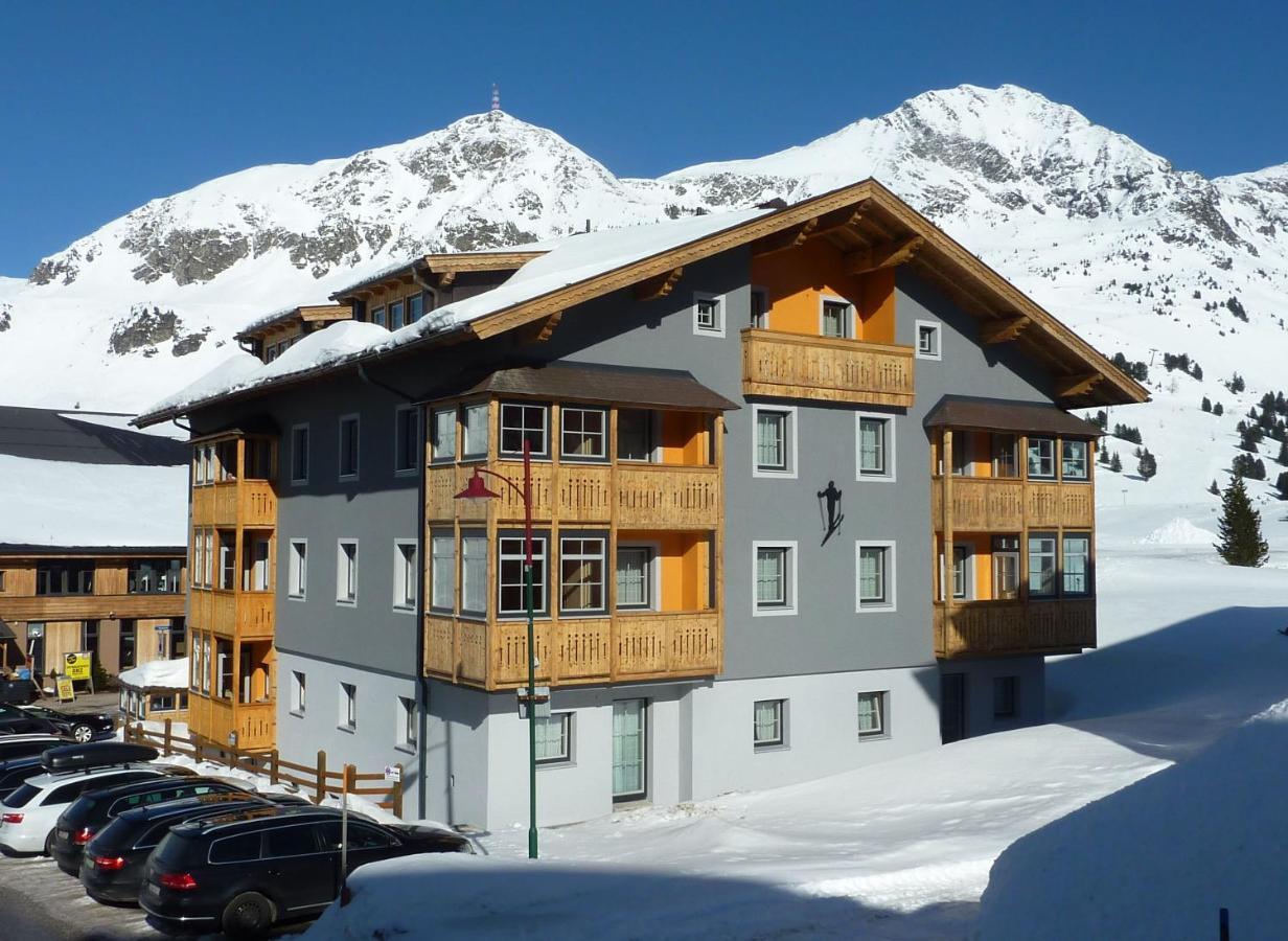 Отель  Aparthotel Bernhof