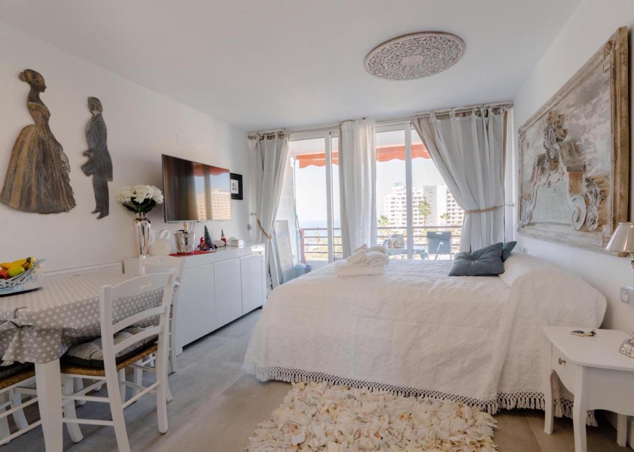 Апарт-отель  Sweet Home Deluxe