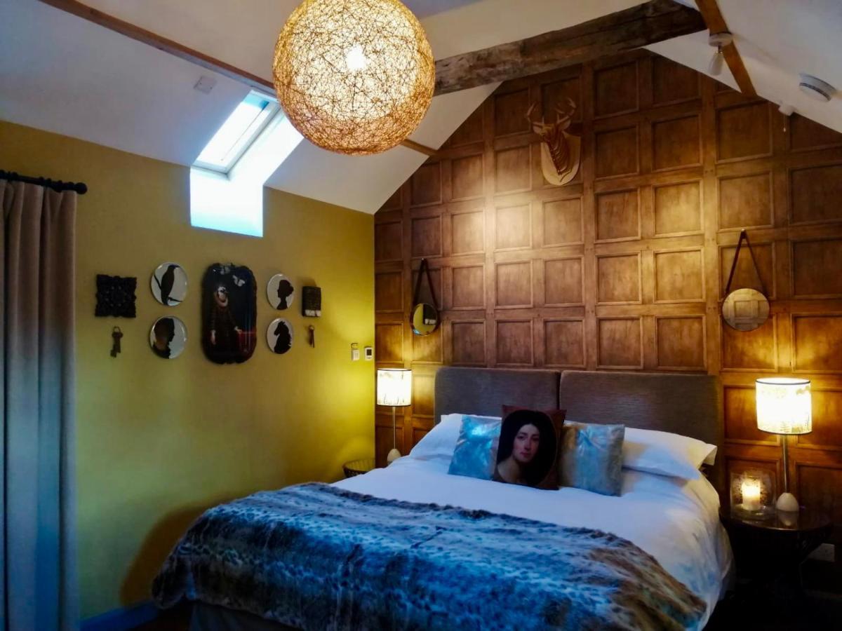 Отель типа «постель и завтрак»  Hayeswood Lodge Luxury Accommodation