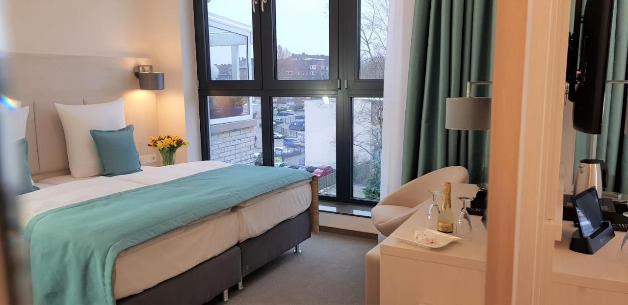 Отель  Apricot Hotel  - отзывы Booking
