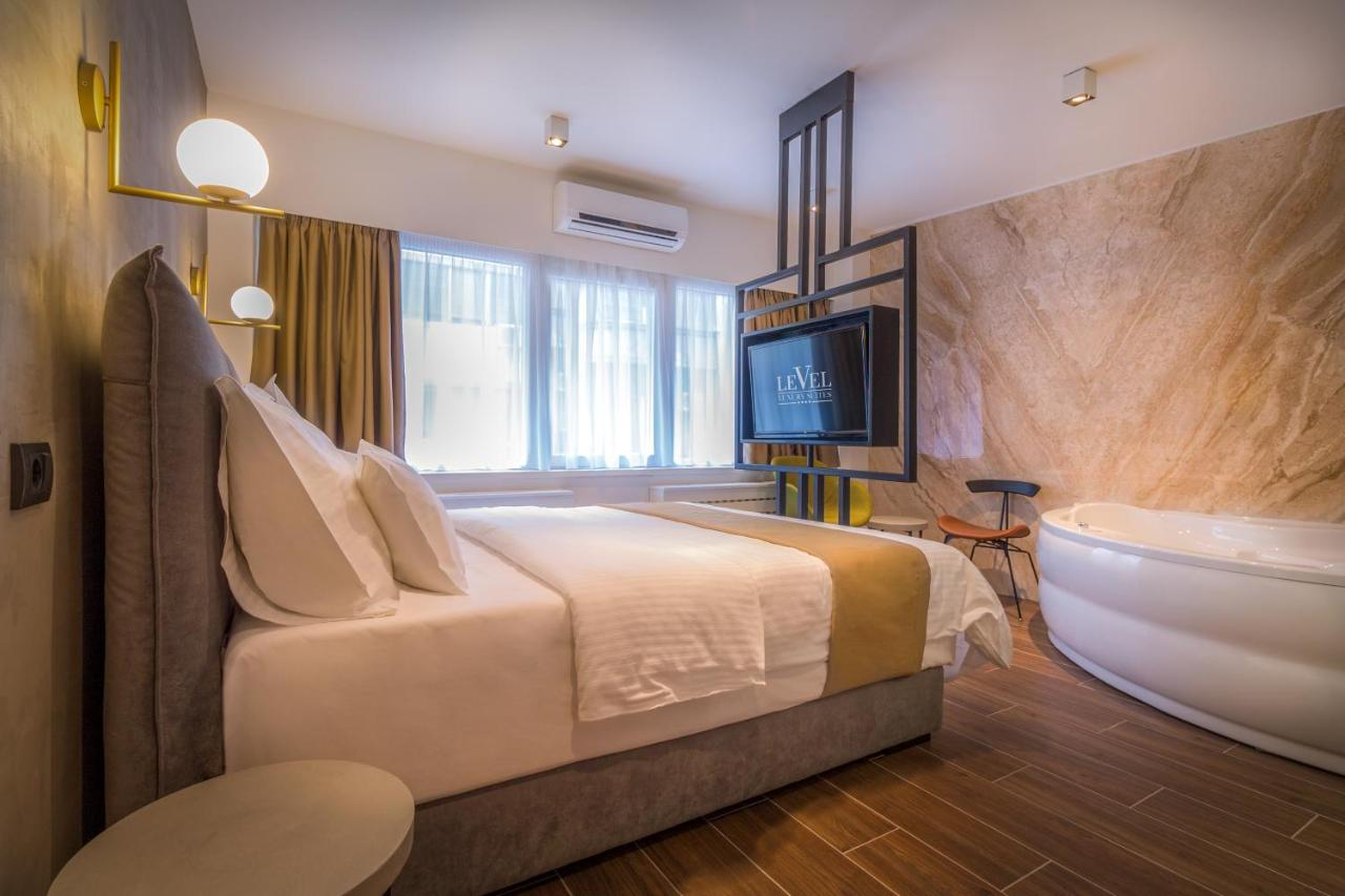 Отель типа «постель и завтрак»  Level Luxury Suites  - отзывы Booking