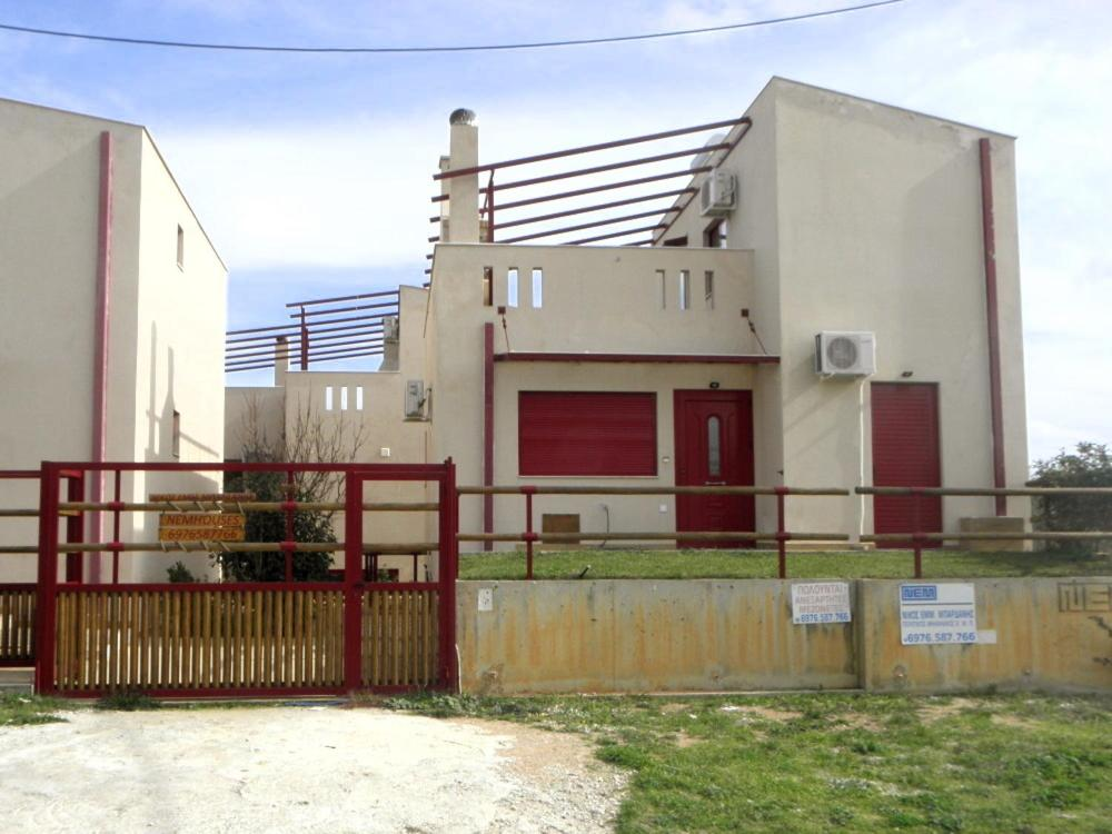Дом для отпуска  nemhouses near the airport and the sea in artemida  - отзывы Booking