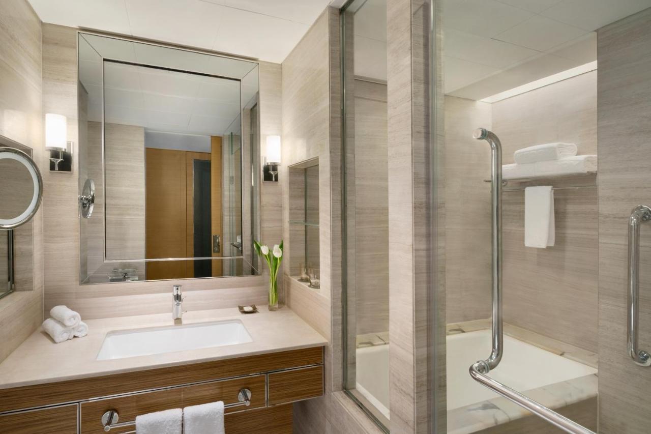 Отель Shangri-La Kerry Hotel, Beijing - отзывы Booking
